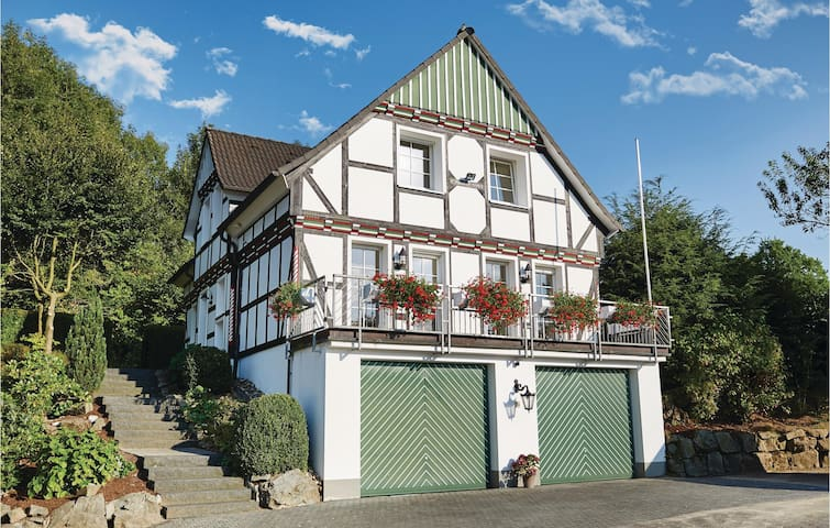 Holiday cottage with 3 bedrooms on 155 m² in Attendorn