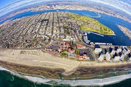 Disinfected Coronado Home, walk to  beach, & ferry
