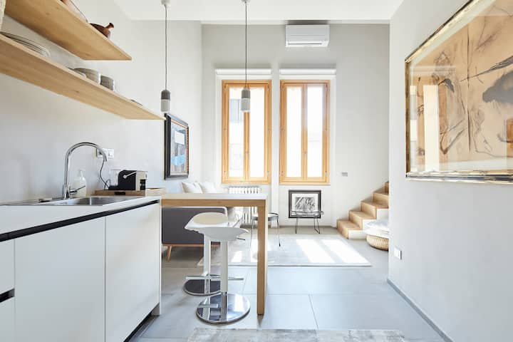 Gem of a loft space with terrace on the Arno