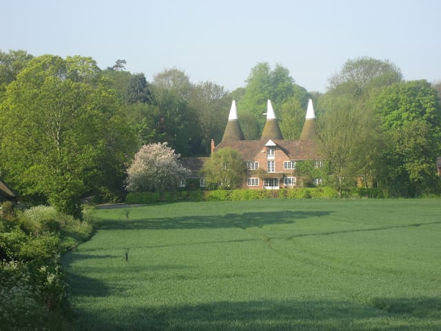 Traditional Kentish oasthouse close to Canterbury.