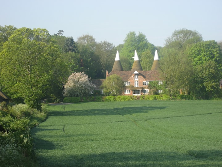 Kenfield Oast Bed and Breakfast (B)