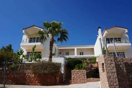 Villa Korfos