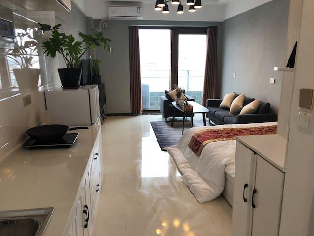 (柏林)白龟湖畔附近观湖精装公寓725室