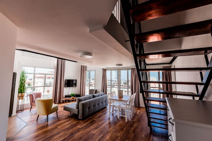 Duplex with Panoramic view on Tel Aviv - Sea view