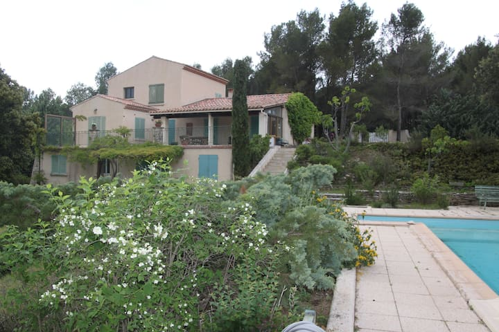 Great family and friend house - Venelles - Casa