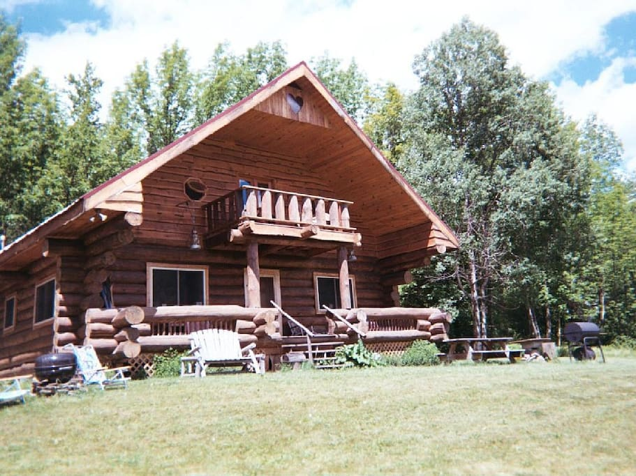Rustic log cabin retreat cabins for rent in north for New york cabin