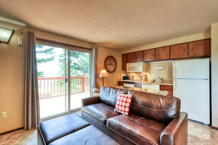 Alpine townhome w/ a shared hot tub plus ski-in & adventure access!