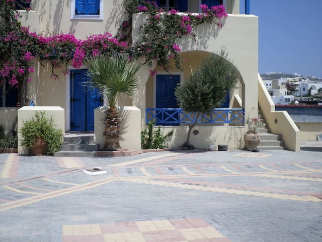 Santorini Spacious 2 room apartment - Megalochori - Huoneisto