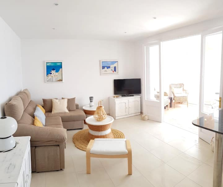 Wonderful apartment on the seafront; Minorca