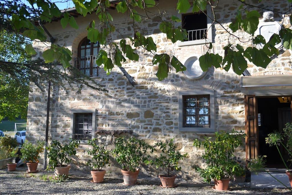 Ala di villa con piscina colline firenze mugello villas for rent in borgo san lorenzo toscana - Piscina borgo san lorenzo ...