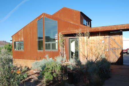 Rusty Guest House near Zion National  Park