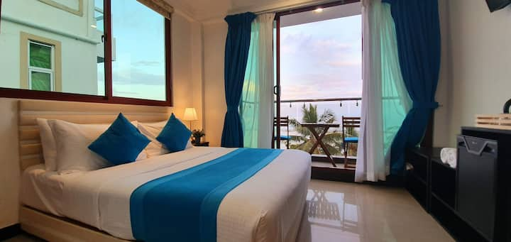 Huvan Beach - Deluxe Double with Balcony Seaview