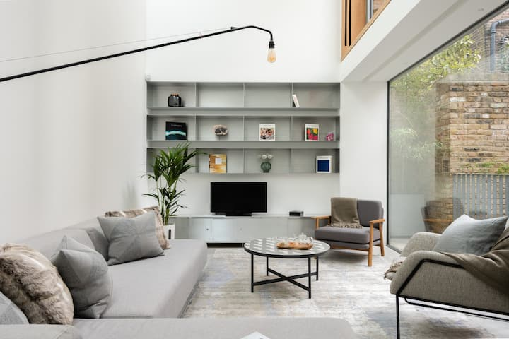 The Chelsea Walk - Modern 3BDR + Rooftop & Parking