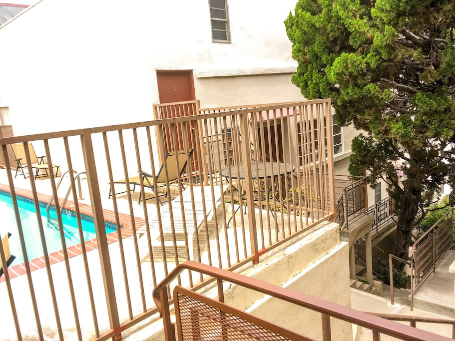Up the street level & tranquil apartment complex. Prioritize your safety with the gated entrance to this community away from traffic noise (which anyone in LA can't help but appreciate !)