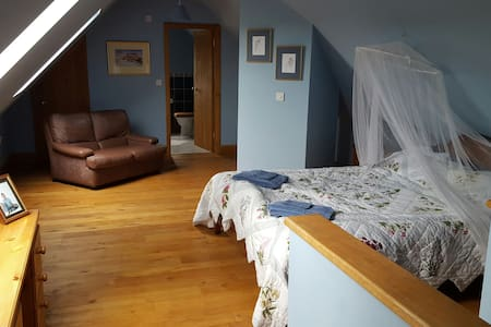 Large Room in Country House - Tregynon