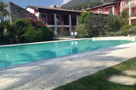 Lovely flat in a peaceful residence, Garda Lake - Toscolano Maderno - Appartement