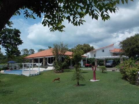 Hermosa casa estilo mediterraneo en Punta Barco !