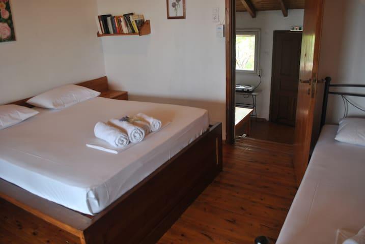 Bedroom - Υπνοδωμάτιο