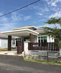 Maya Homestay Melaka - Bungalow