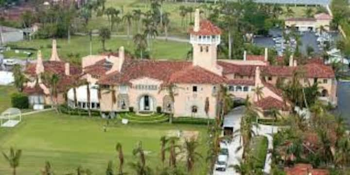 Villa Fiore and Guest House near Mar-A-Lago
