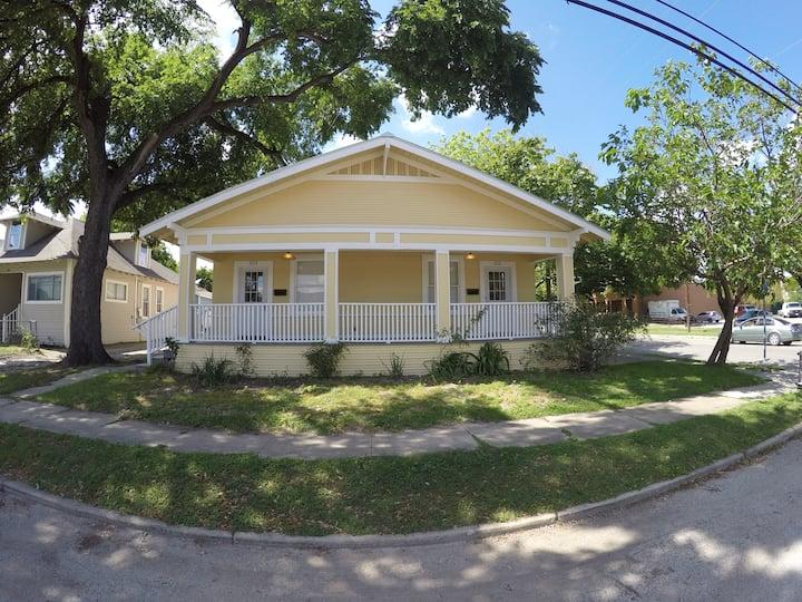 Downtown Spacious San Antonio Home