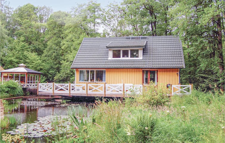 Holiday cottage with 1 bedroom on 80m² in Örkellunga