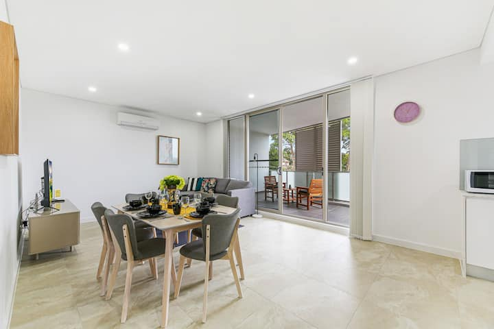 Brand new 2 br in Asquith, walk to shops stations