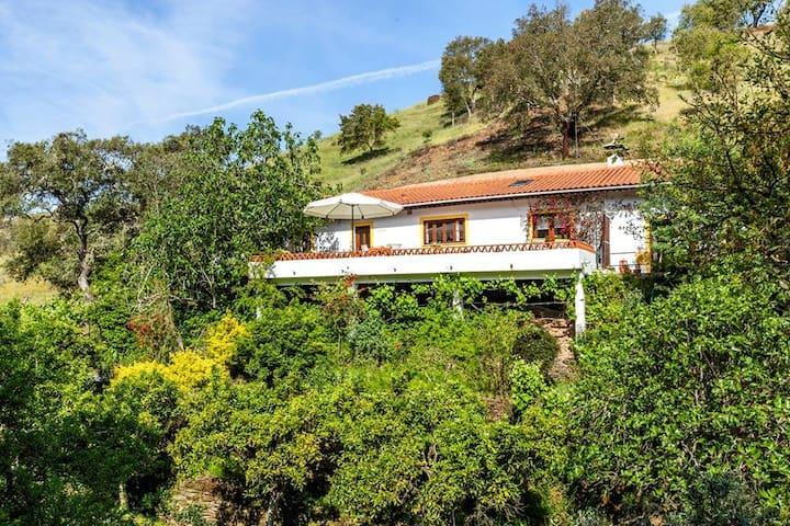 Casa Amarela, Monte Maravilhas