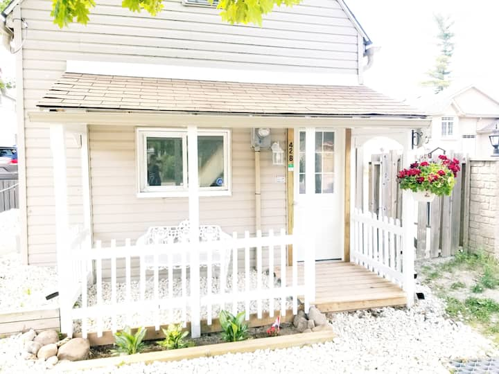 Wcottages > 2 bdrm Bunkie cottage court 4 season.