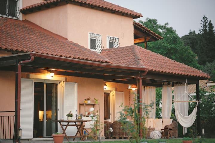 Villa Εlia