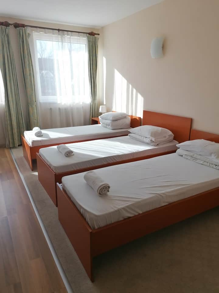 Hotel Ferihegy Triple room near the Airport