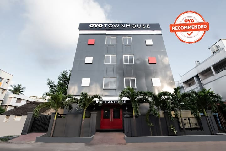 OYO 1 BR Quality Stay In MVP Colony