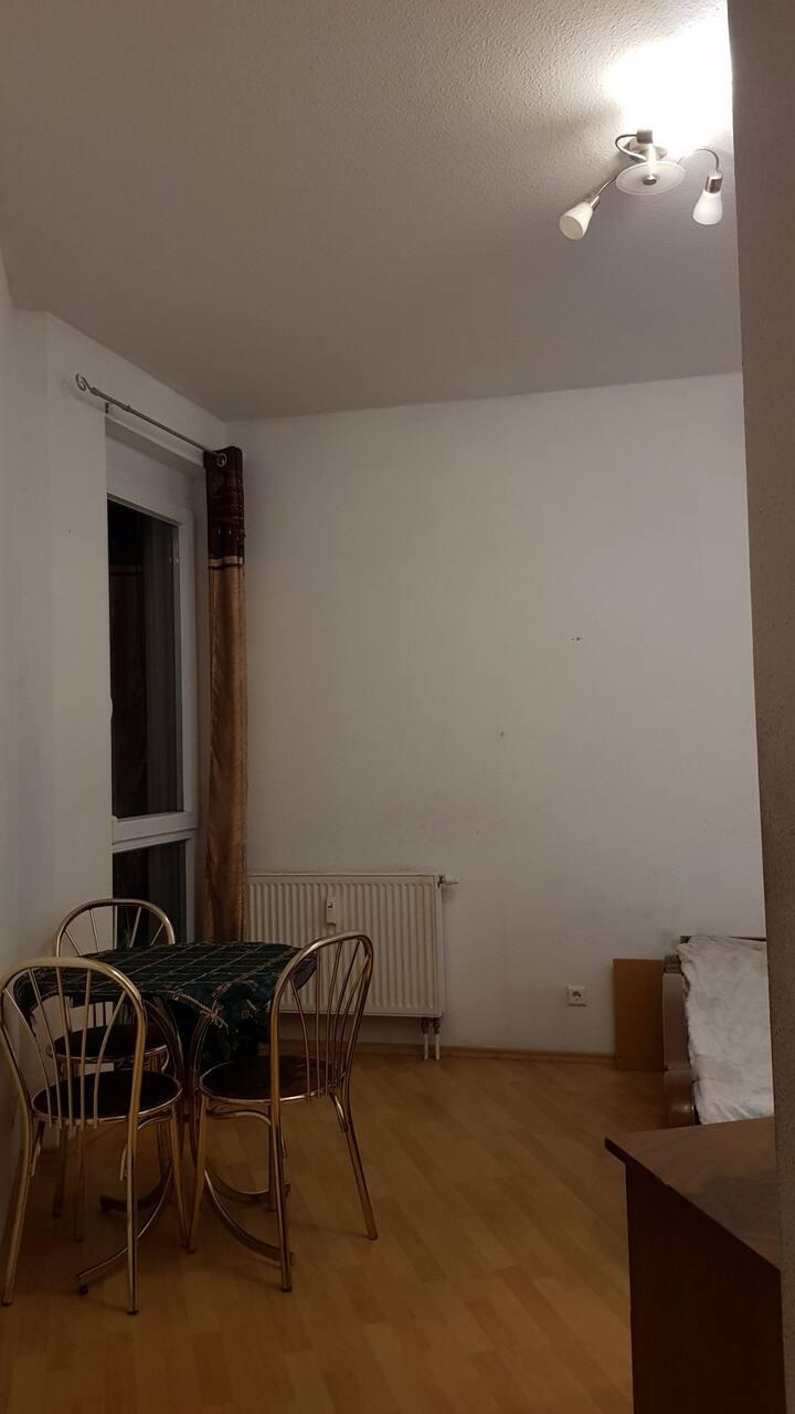 Privates Zimmer in einer Wohnung zu Vermieten