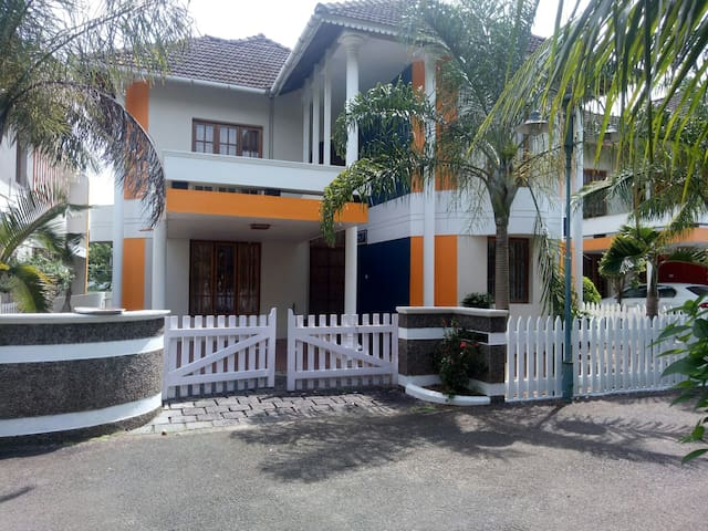 Kottayam kanjikuzhy 3 bhk fully furnished ac villa