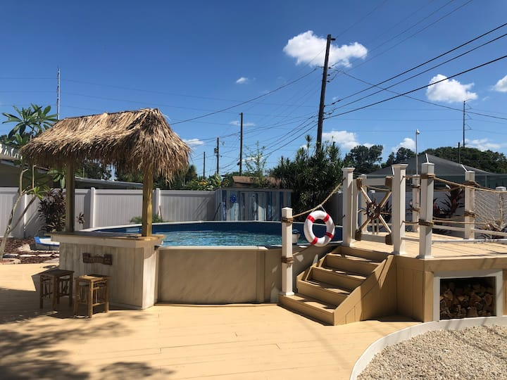 NEW 3 BR/2 BR beach style heated pool 6 min beach