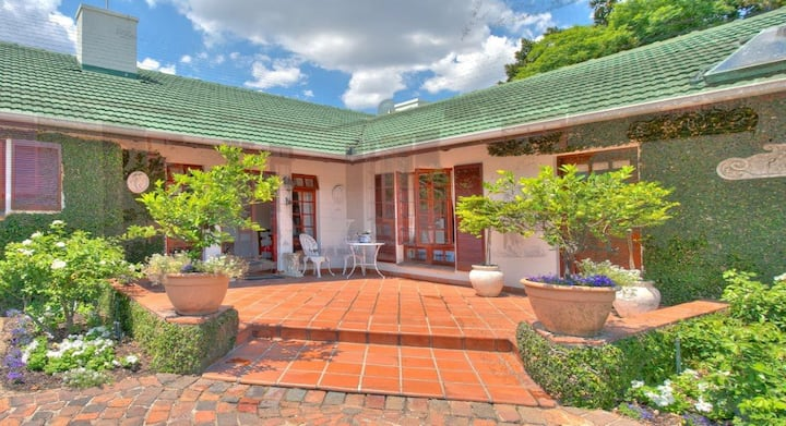 Inanda's First B&B - Room 6