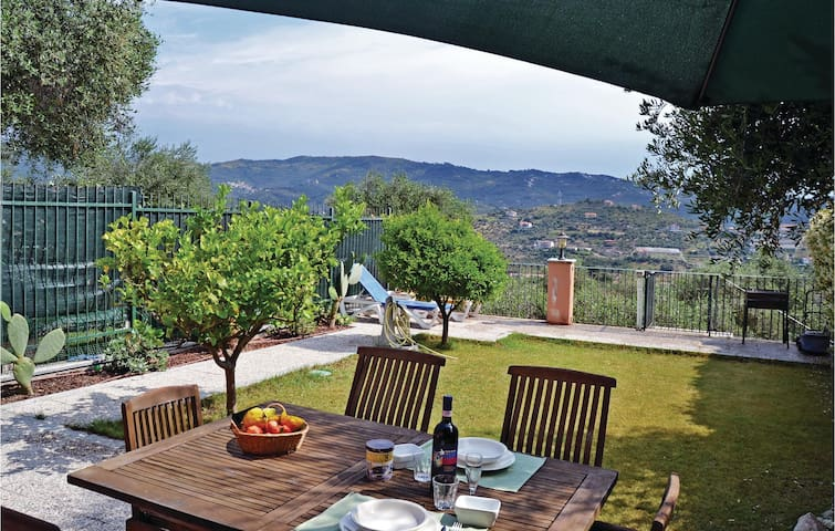 Holiday apartment with 1 bedroom on 70 m² in Imperia IM
