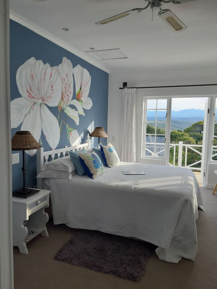Franmarel Guest House - Blue Room with seaviews