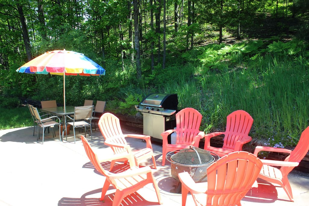 Imagine yourself here relaxing with good conversation, friends, and a glass of wine!