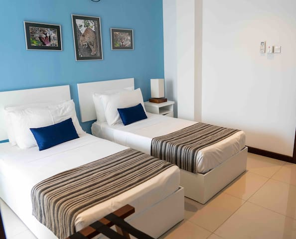 Bedroom 2 [BR2]