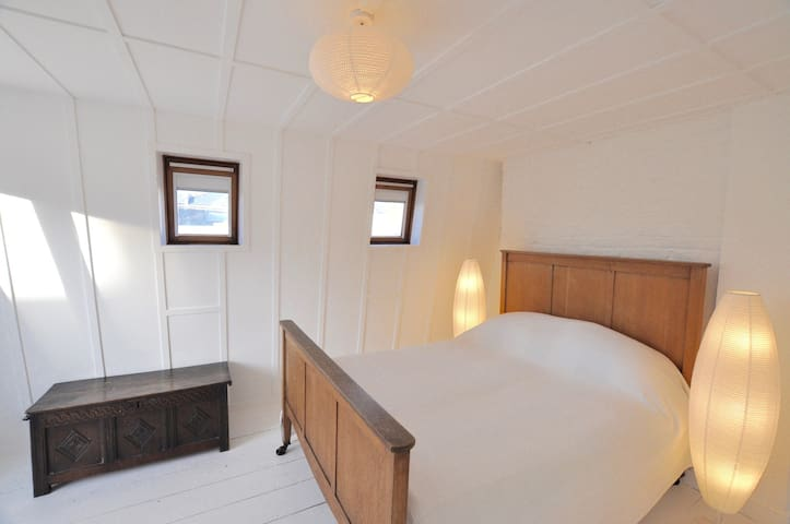Private annexe sleeps 3/4 near to Brixton 02 - Londres - Loft