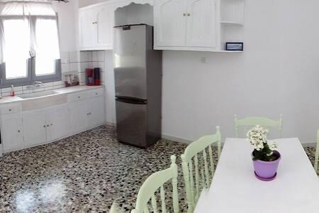 Inside town - Antiparos