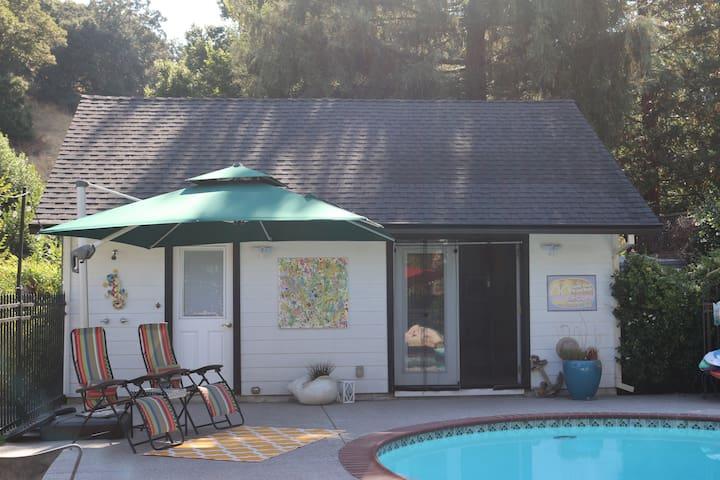 Entire Guesthouse: Private, Cozy Casita