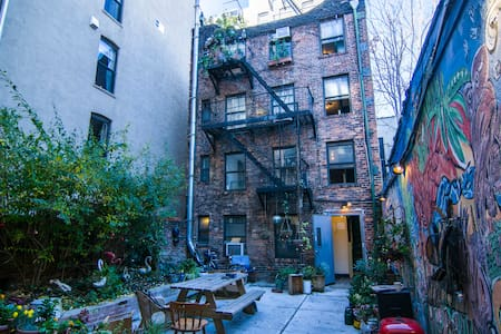 This first floor newly renovated apartment is located in New York's East Village neighborhood. The building is secure, nestled within larger street-side buildings with a beautiful courtyard. It is perfect for 1-2 guests for any length of stay!