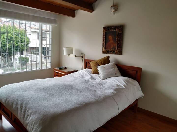 Habitación para 2 en espectacular casa en Cedritos