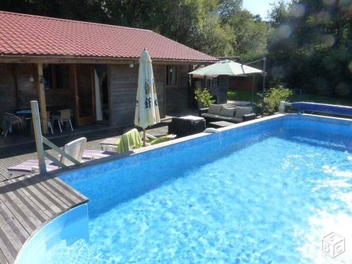 La Maison du Gouf***, piscine, sauna, étang, forêt
