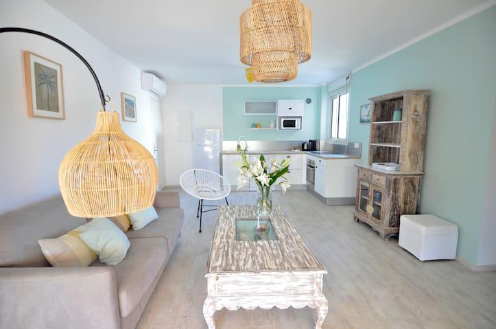 Bel appartement de standing, vue mer avec jardin