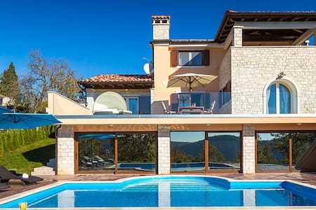 Excellent Villa with pool - Čavle - Дом