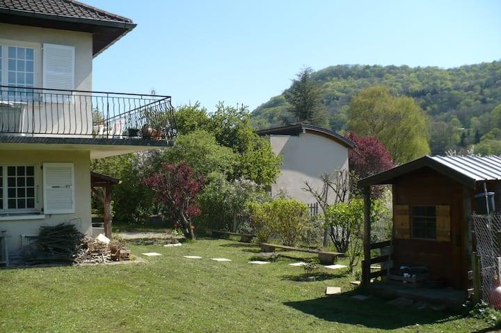 Chambre et Salle de Bain privative avec Jardin