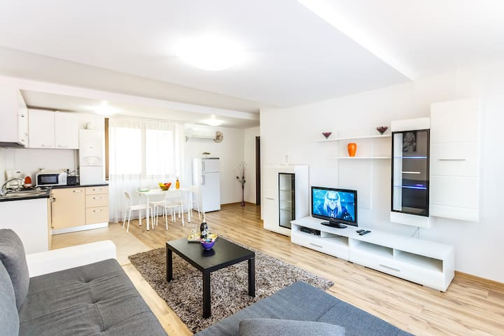 Perfect 4 rooms Apartment - București - Appartement